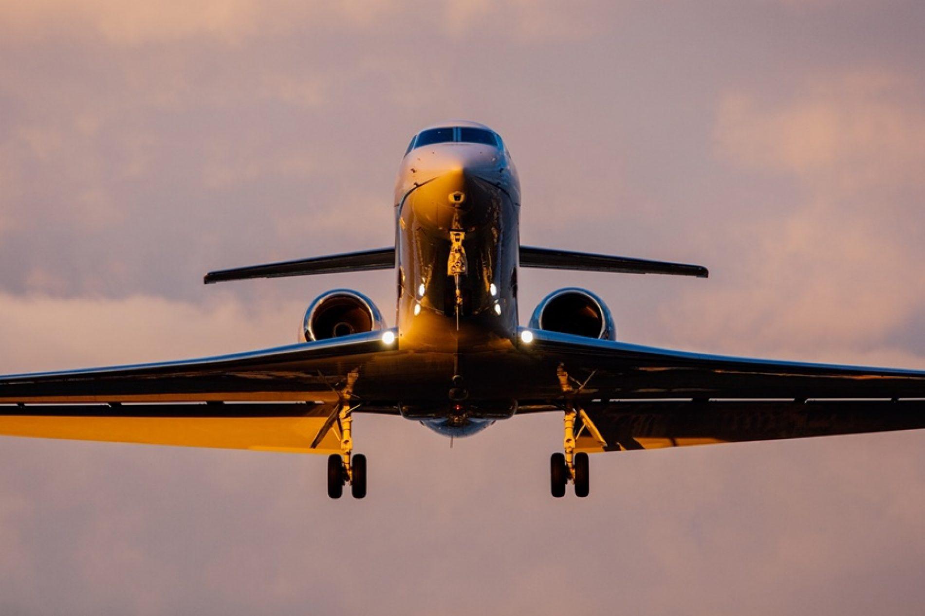 Menina de 14 anos morre durante voo da Latam que saiu de Miami