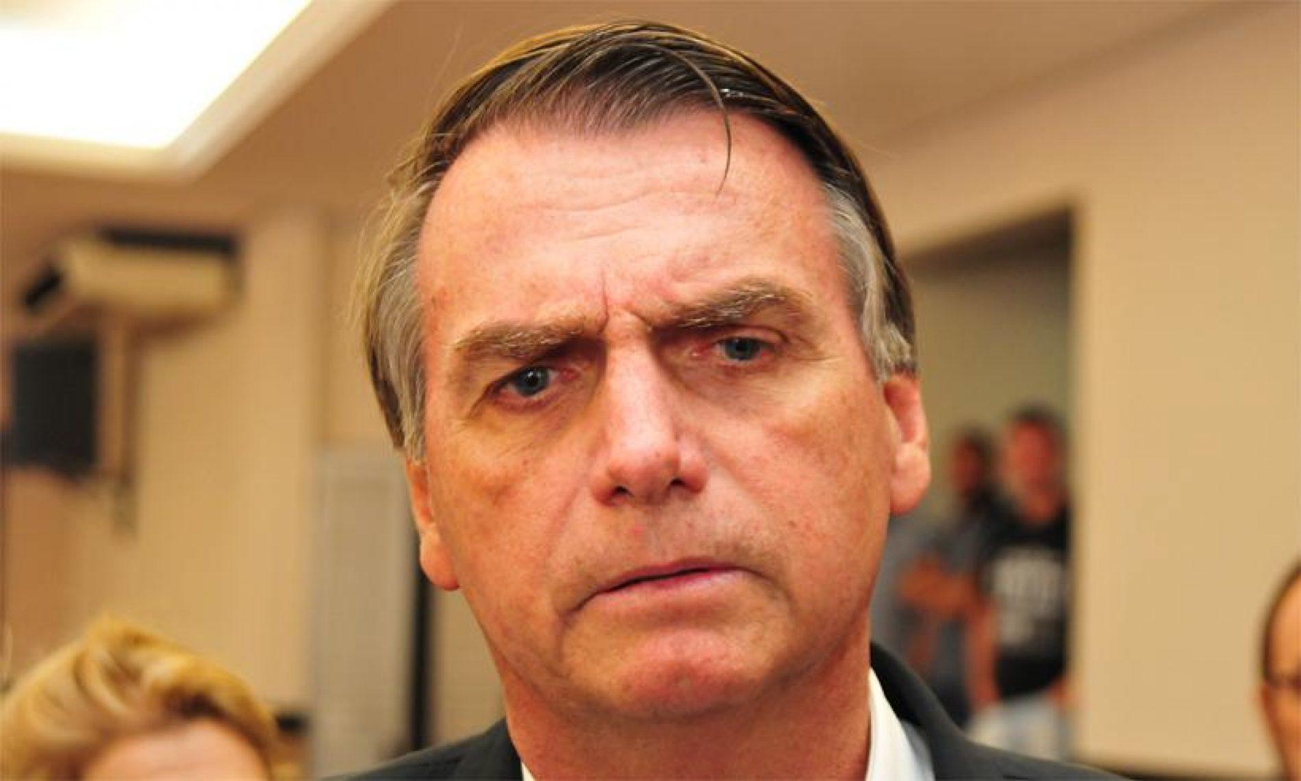'Não acredito em Bolsonaro paz e amor', diz filho do candidato
