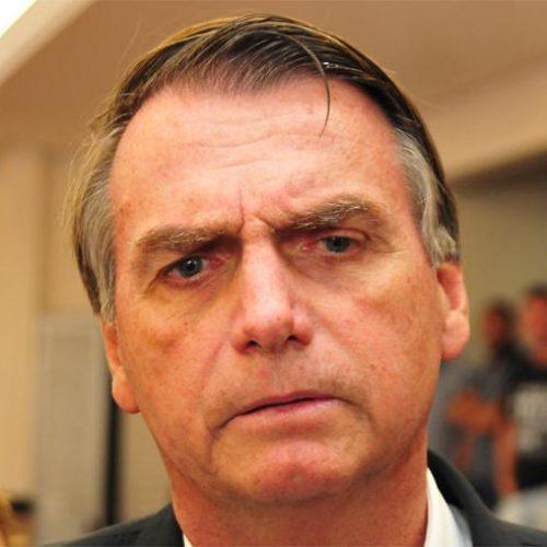 Número de beneficiários do Bolsa Família é exagerado, diz Bolsonaro