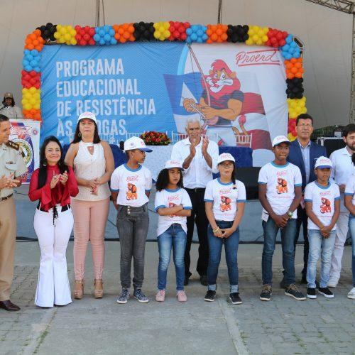 Programa que ensina a dizer não às drogas forma mais 1.300 jovens em Lauro de Freitas