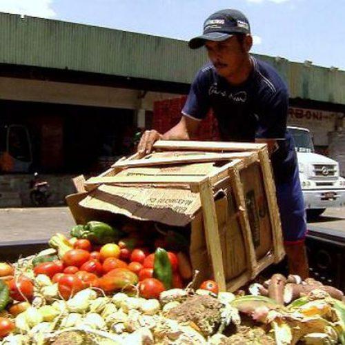 Supermercados desperdiçam R$ 3,9 bi em alimentos por ano, diz Abras