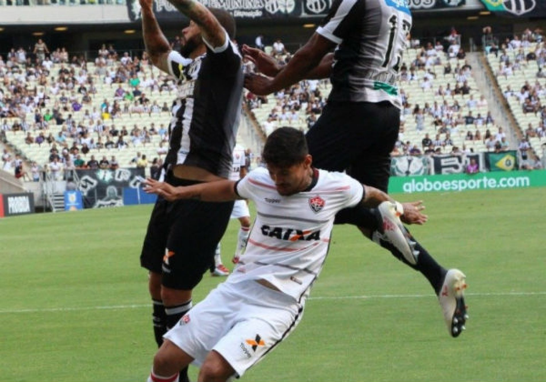 Apático, Vitória é derrotado pelo Ceará por 2 a 0 fora de casa