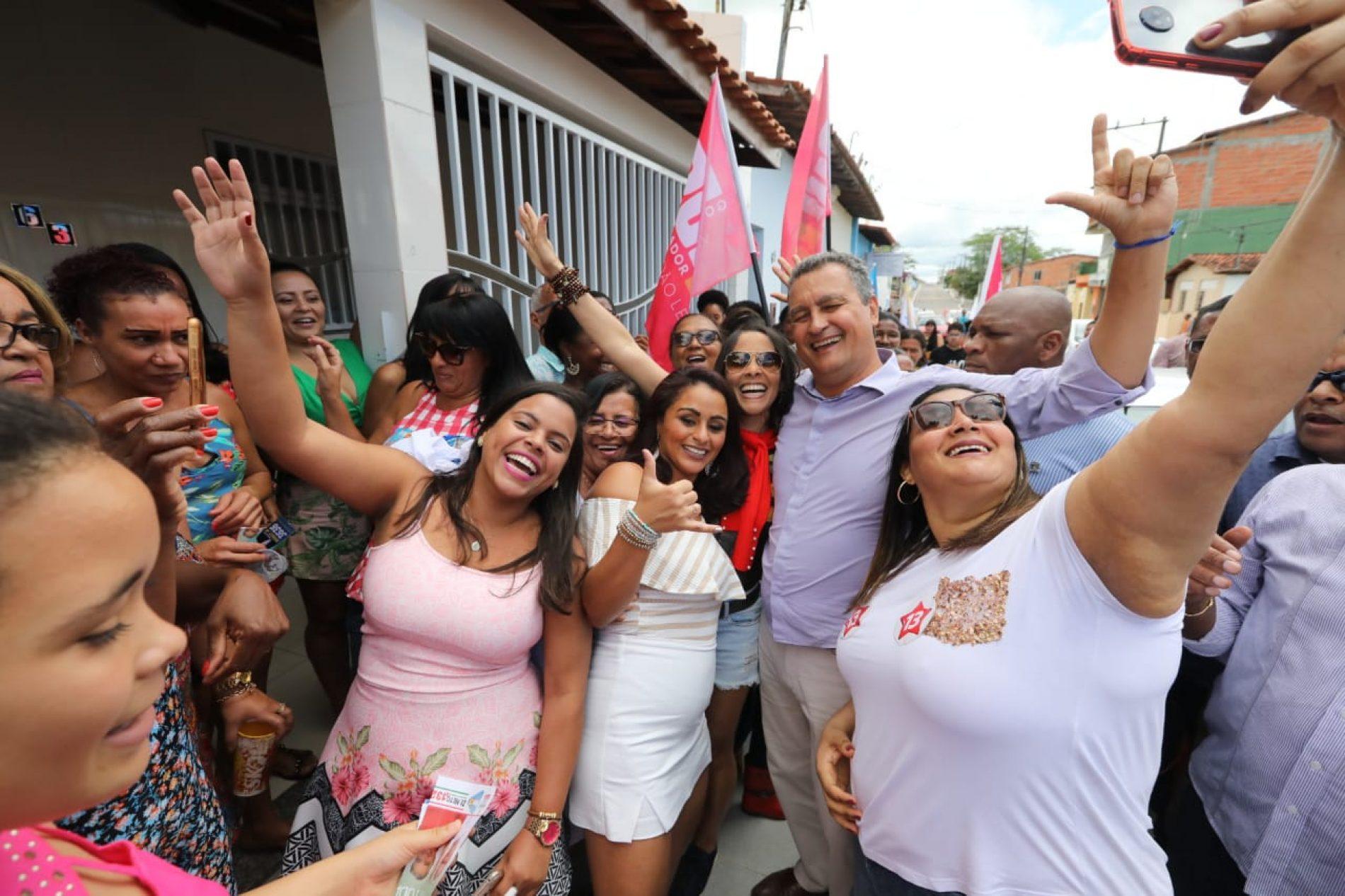 Em visita ao Portal do Sertão, Rui garante apoio à agricultura familiar
