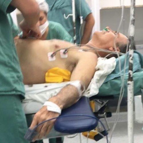 Facada atingiu fígado, pulmão e intestino de Bolsonaro, diz filho do candidato