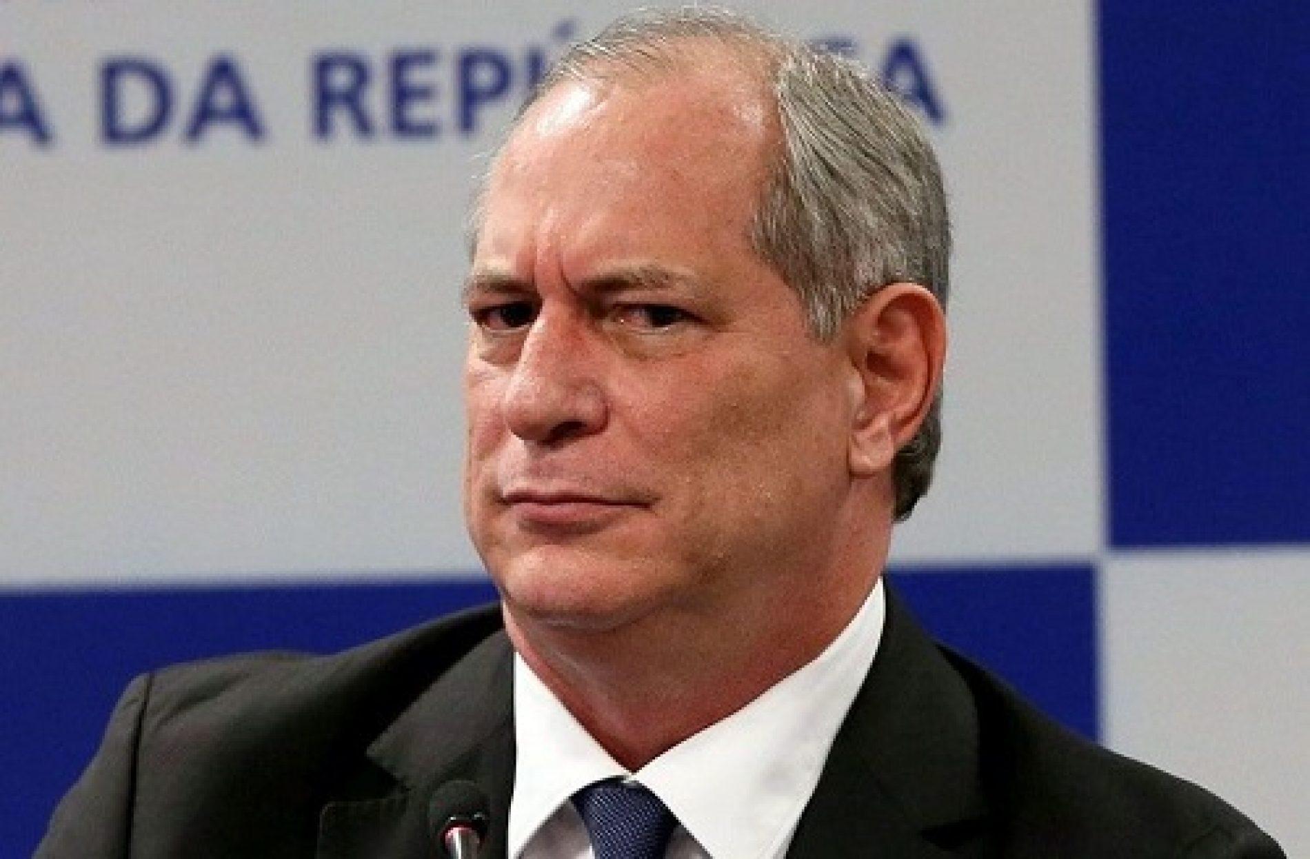 Ciro também vai ao ringue das redes sociais contra Bolsonaro