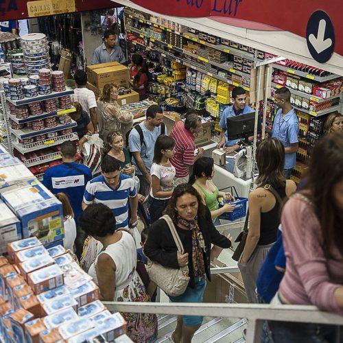 Confiança do empresário do comércio recua 0,2% em setembro, diz CNC