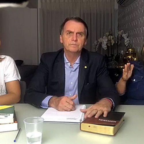 """Bolsonaro cumprirá promessas e governará """"ao lado"""" da Constituição"""