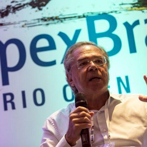 Guedes quer usar reservas cambiais para reduzir dívida