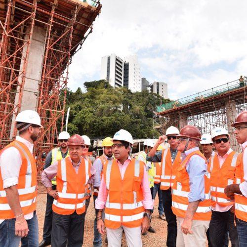 Obras do BRT são vistoriadas pelo prefeito ACM Neto