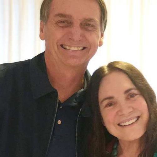 Regina Duarte vai à casa de Jair Bolsonaro visitá-lo