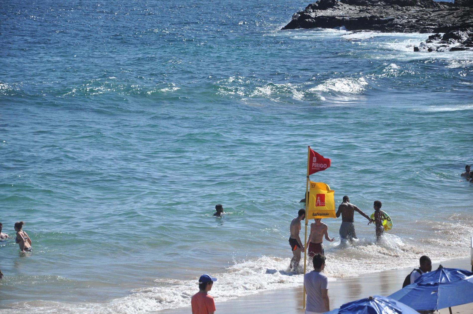 Salvamar alerta para cuidados com crianças nas praias durante feriado