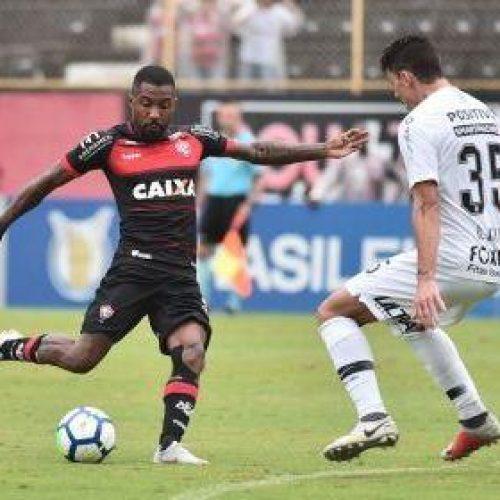 Vitória empata com Corinthians e segue ameaçado pela degola