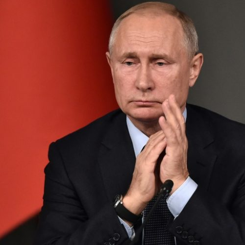 Vladimir Putin parabeniza Jair Bolsonaro pela vitória nas eleições
