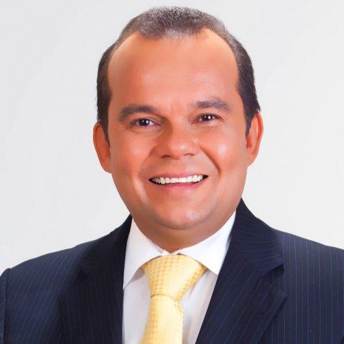 Segue o líder: Tinoco desiste e Geraldo Junior pavimenta candidatura à presidência da Câmara de Salvador
