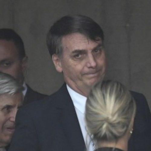 Após visita rápida à reunião do PSL, Bolsonaro vai para apartamento funcional