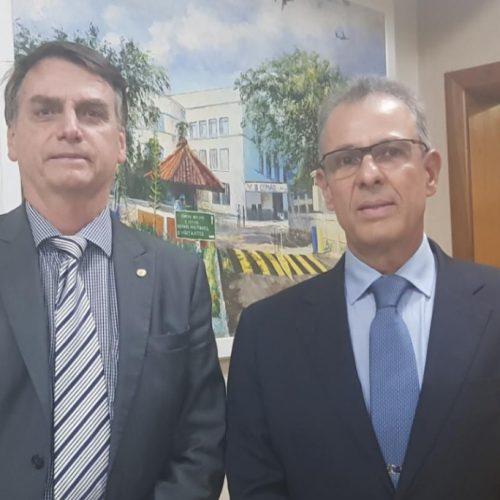 Bolsonaro anuncia Almirante de Esquadra Bento Costa Lima Leite para o Ministério de Minas e Energia