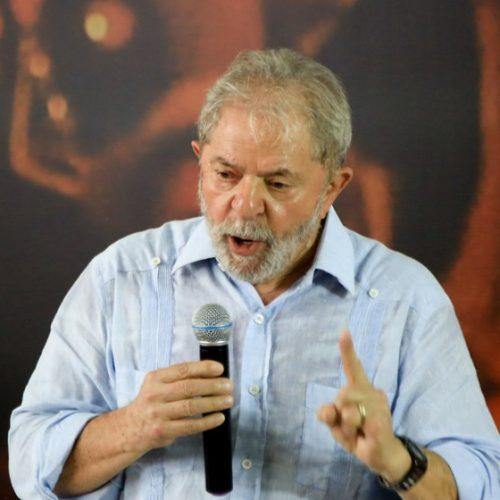Ex-assessor de Lula diz que pagava em dinheiro por obra em sítio