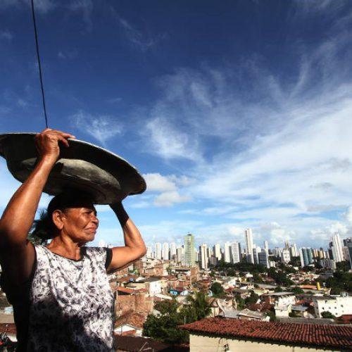 Renda recua e Brasil se torna o 9º país mais desigual
