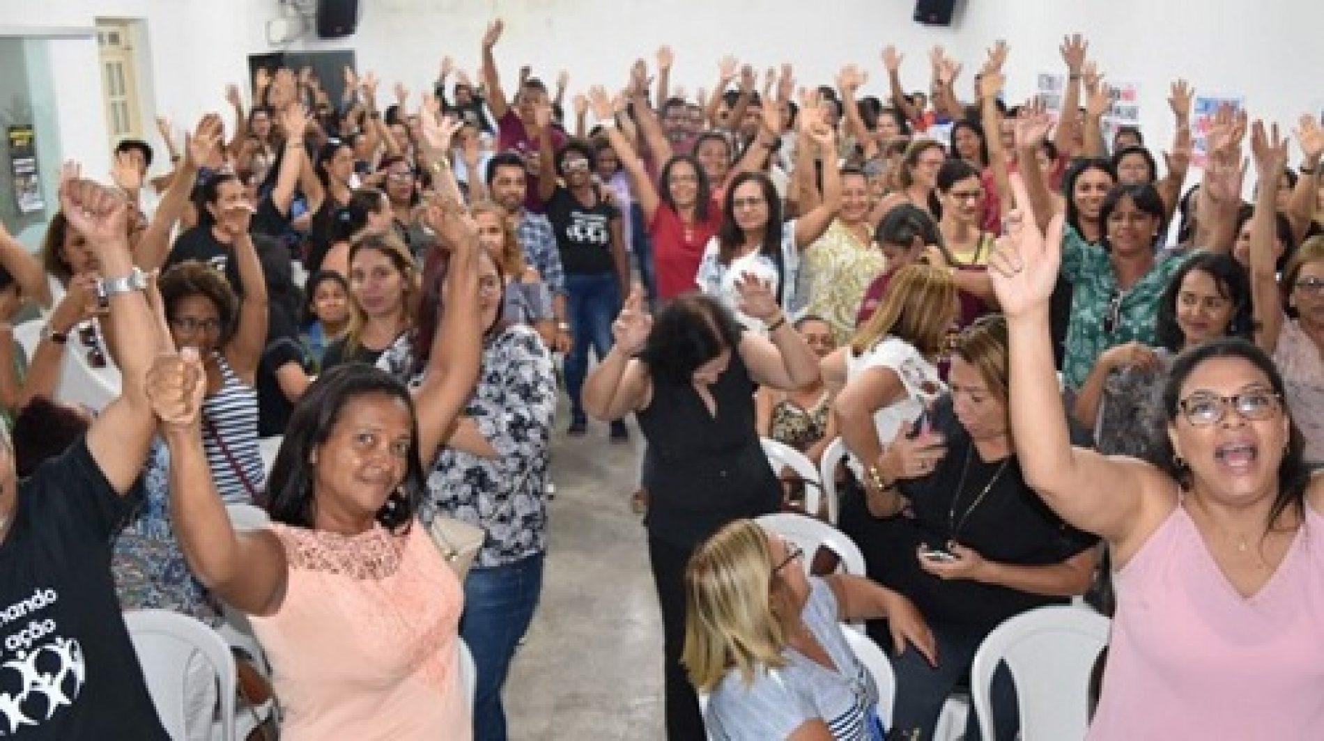 Itabuna: Sem novas propostas, professores permanecem em greve