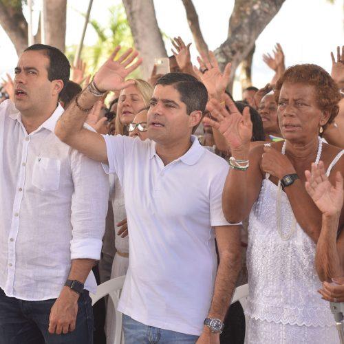 ACM Neto agradece conquistas e renova esperança em missa no Bonfim