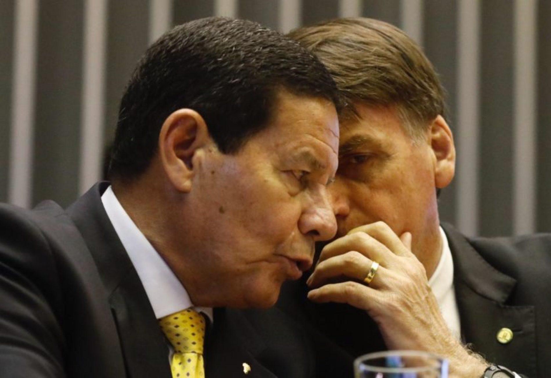 Bolsonaro impõe novo silêncio a general Mourão