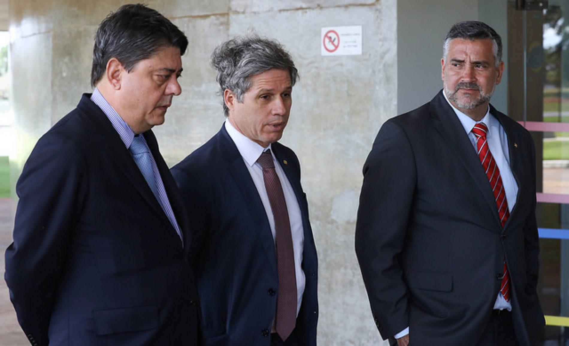Câmara arquiva processo contra petistas que tentaram soltar Lula