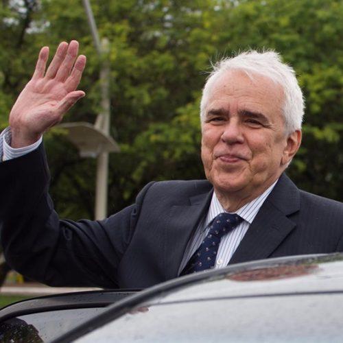 Castello Branco é aprovado em conselho para presidir a Petrobras