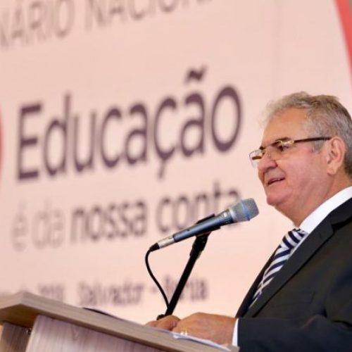 Coronel defende mais investimentos em educação
