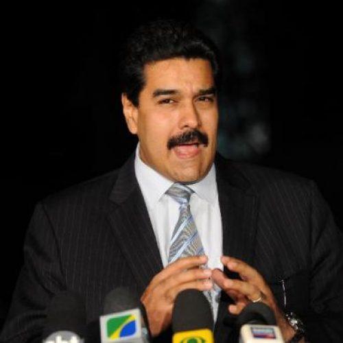 Peru proíbe entrada no país de Maduro e integrantes do governo