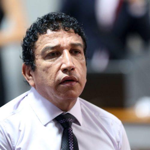 """Magno Malta sobre Damares Alves: """"Não indiquei nem fui comunicado"""""""