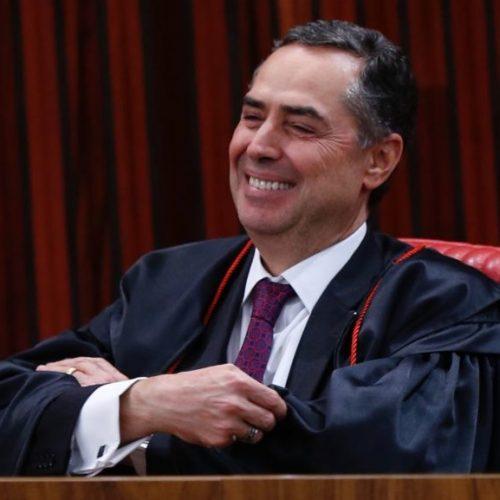 No STF, ministro Luís Roberto Barroso arranca risadas com Tinder