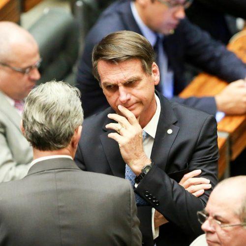 """Para aumentar bancada, PSL vai ao Supremo contra """"efeito Tiririca"""""""