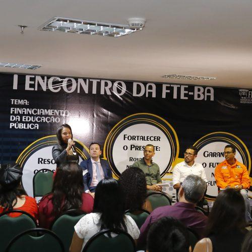 Prefeita de Lauro de Freitas integrará Frente em Defesa do Financiamento da Educação