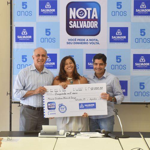 Salvador: Prefeitura entrega R$170 mil a ganhadores do programa Nota Salvador