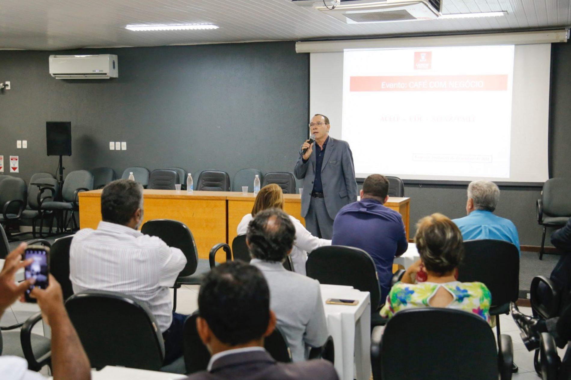 Secretário apresenta ações da SEFAZ ao segmento empresarial de Lauro de Freitas