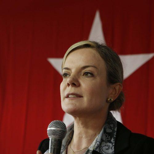 Temos esperança de que Lula saia da prisão antes do Natal, diz Gleisi