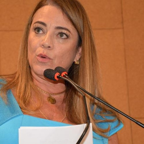 Fabíola comemora decisão da OAB que impede inscrição de bacharéis envolvidos em caso de violência