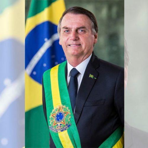 Jair Bolsonaro divulga foto oficial como presidente nas redes sociais