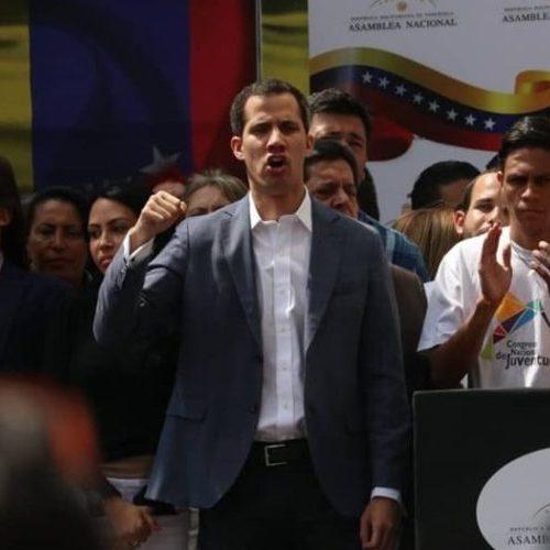 Parlamento Europeu reconhece Guaidó como presidente interino