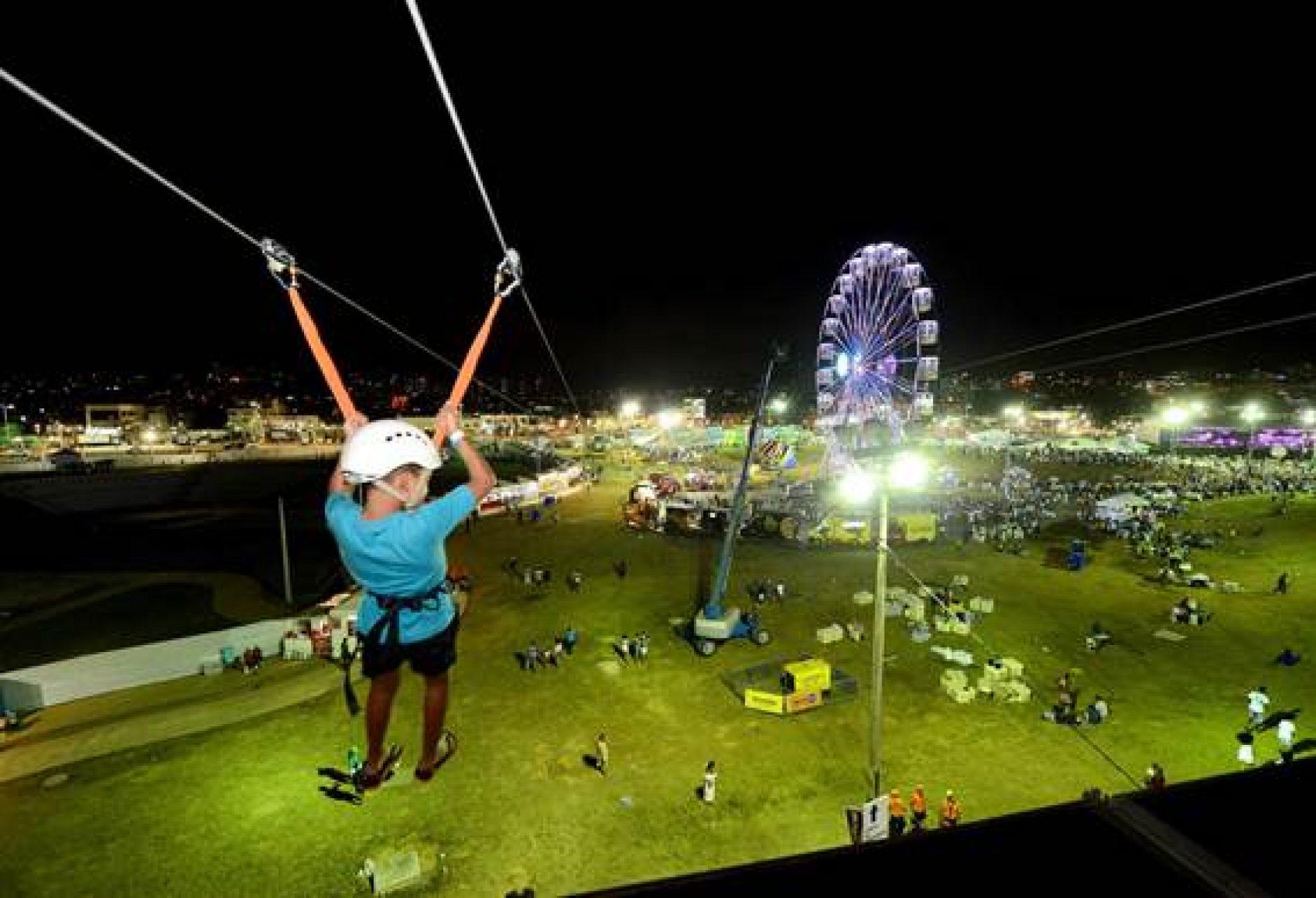 Tirolesa atrai de 90 pessoas por hora no Festival Virada Salvador