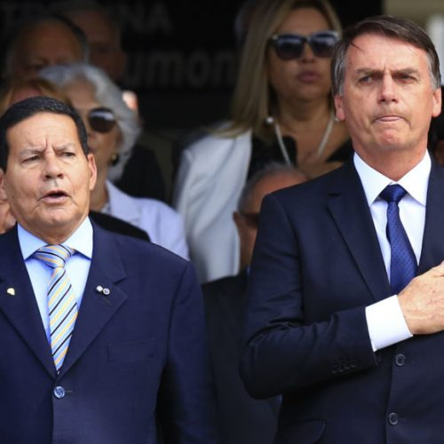 Bolsonaro dá missão a Mourão: coordenar relação bilateral com 3 países