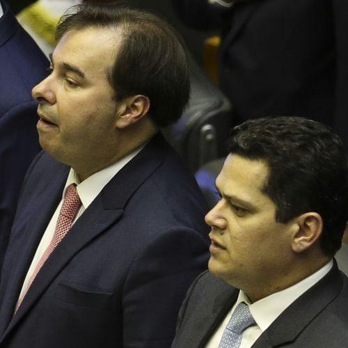 DEM assume o comando da Câmara e do Senado