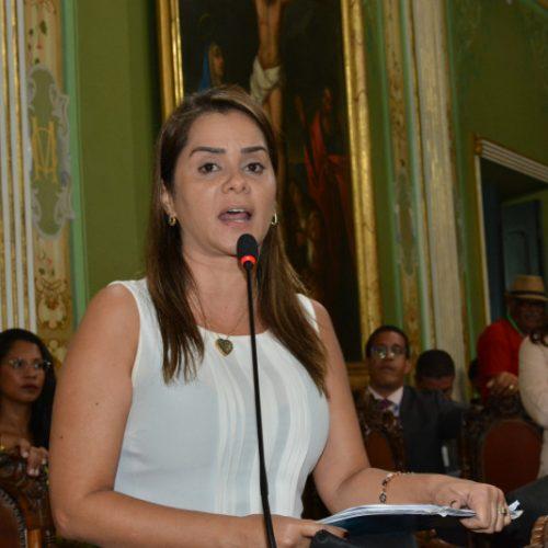 Câmara de Salvador: Lorena defende Hino Nacional nas escolas