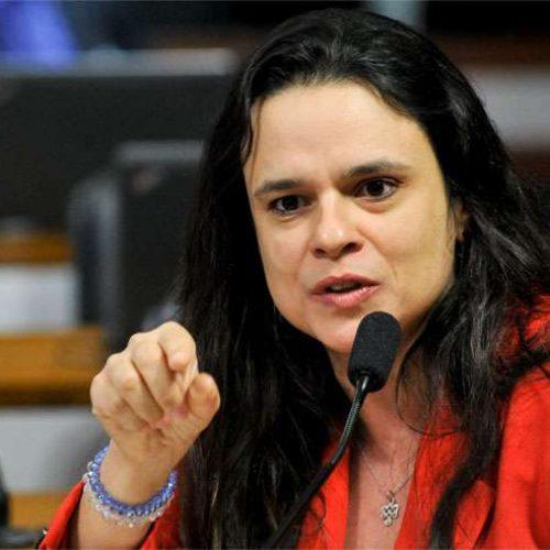 'Ministro, contrate um assessor jurídico', diz Janaina sobre e-mail do MEC