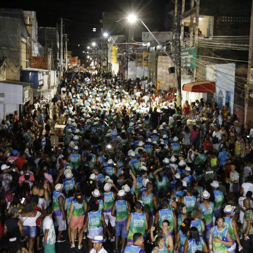 Lauro de Freitas: Blocos desfilam alegria e irreverência no Carnaval de Todos os Santos