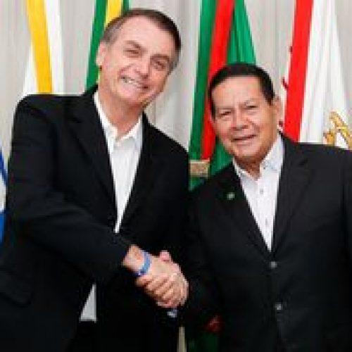 Bolsonaro chega aos Estados Unidos em busca de parcerias