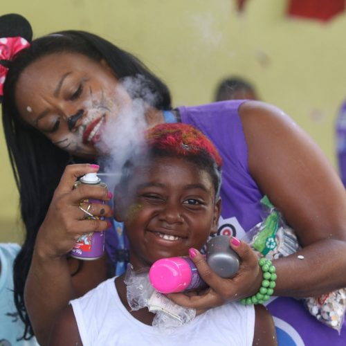 Bailinho de Carnaval diverte a criançada do Calabar