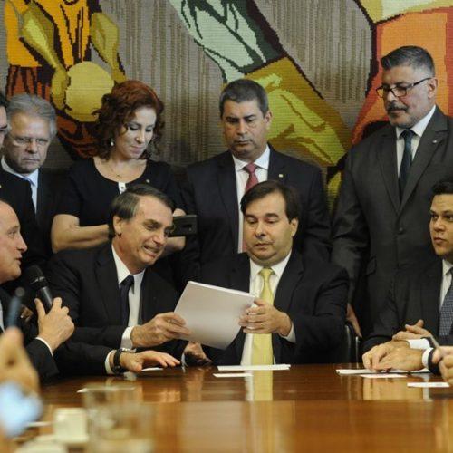 Pela previdência, Bolsonaro e Maia não descartam nomeações políticas