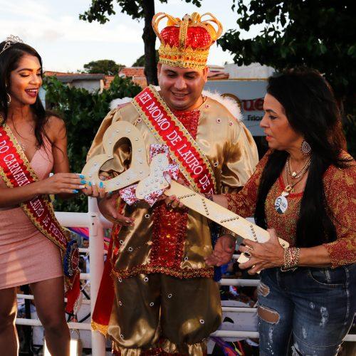 Lauro de Freitas: Moema entrega chave da cidade e abre oficialmente o Carnaval de Todos os Santos