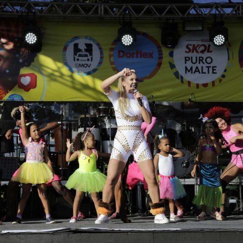 Show da Lore encanta foliões mirins no baile infantil do Rio Vermelho